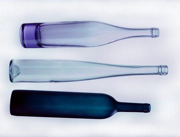 Imballaggio bottiglie di vetro: i consigli per le aziende