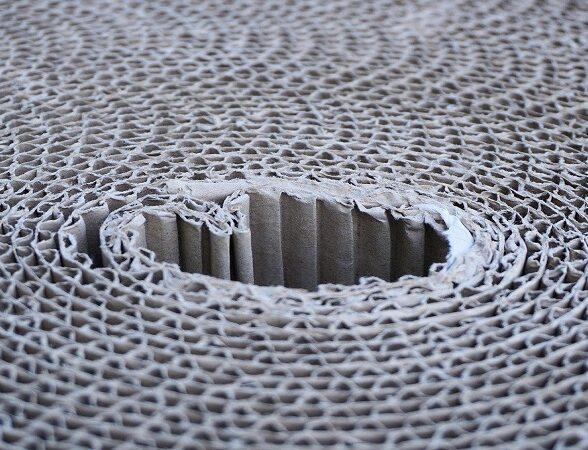 Come usare i fogli di cartone ondulato per imballare la merce